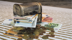 Symbolbild Geld in Schatulle